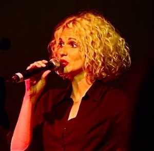 Suzi Jari Vocals