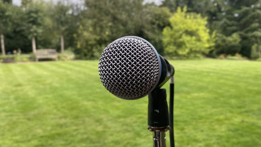microphone lawn